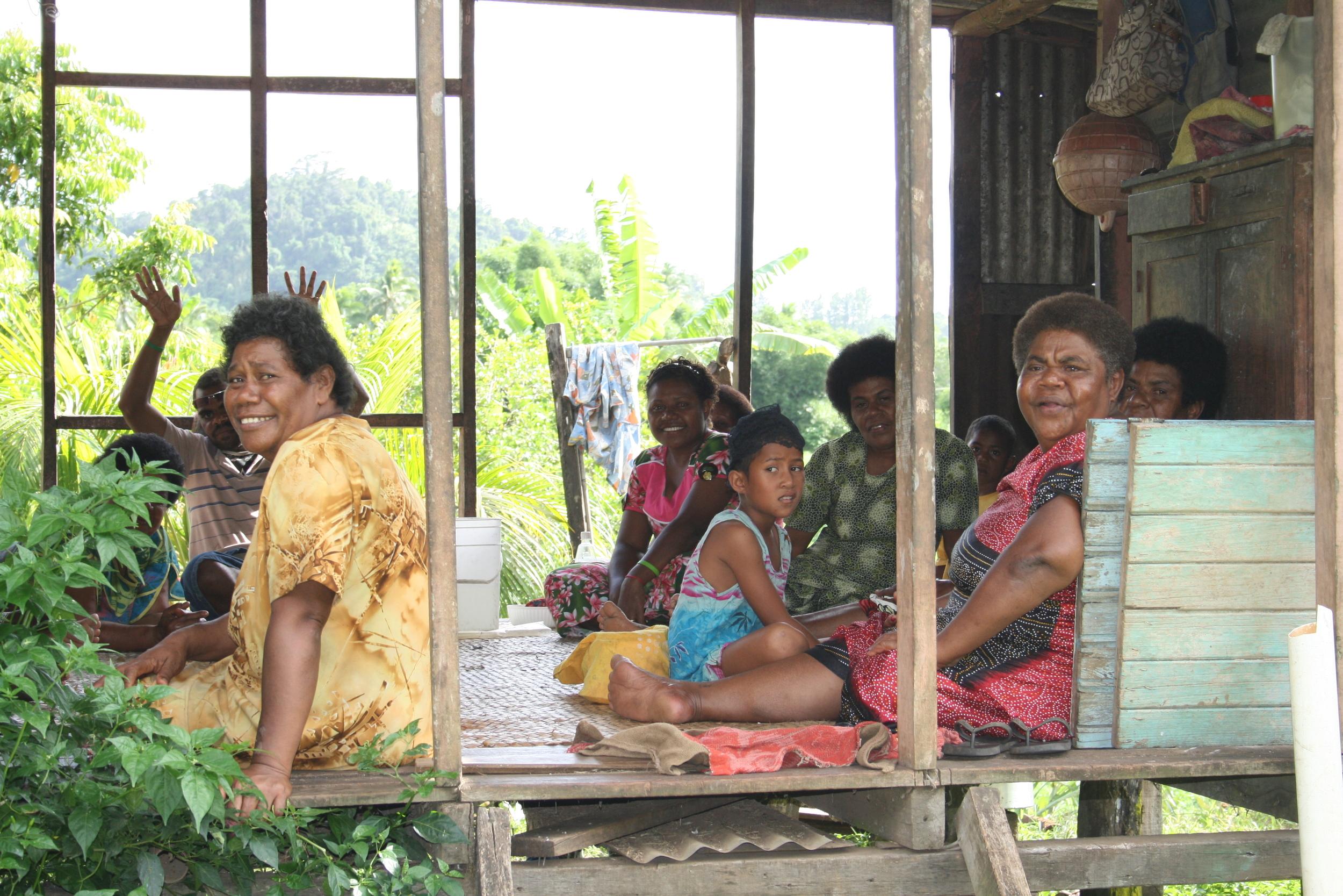 Fiji_village people.JPG