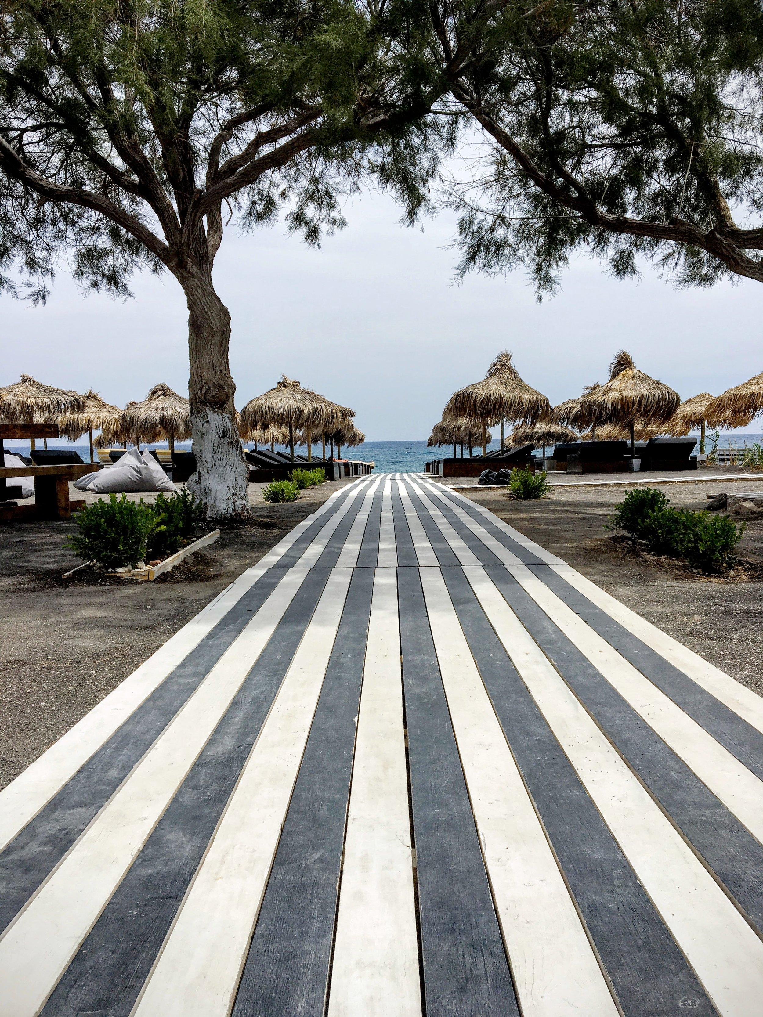 kamari-beach.JPG