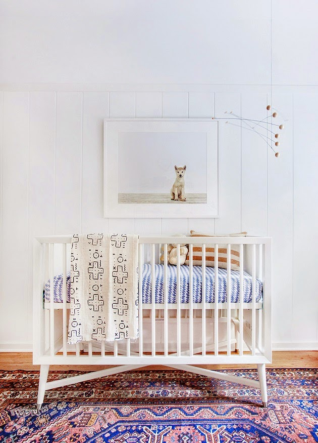 I think this nursery is so dreamy! I have stalked the rug and can't find it anyyyywhere.