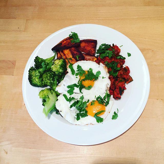 Yummy veggie treat - Huevas rancheros