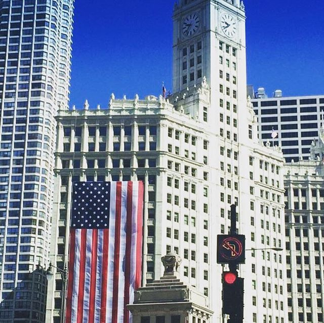 Happy 4th of July #chicago! Hope everyone has some fun this weekend! . . . . . #fourthofjuly #chicagogram #chicagoshots #ilovemycity #flag #wrigleybuilding #favoritepicture #summertimechi