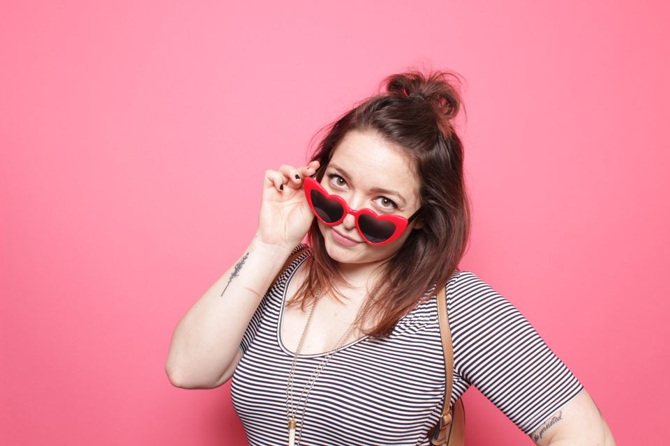 How you doin? - Works with sunnies or glasses! Don't have a pair on you? Borrow your neighbor's!