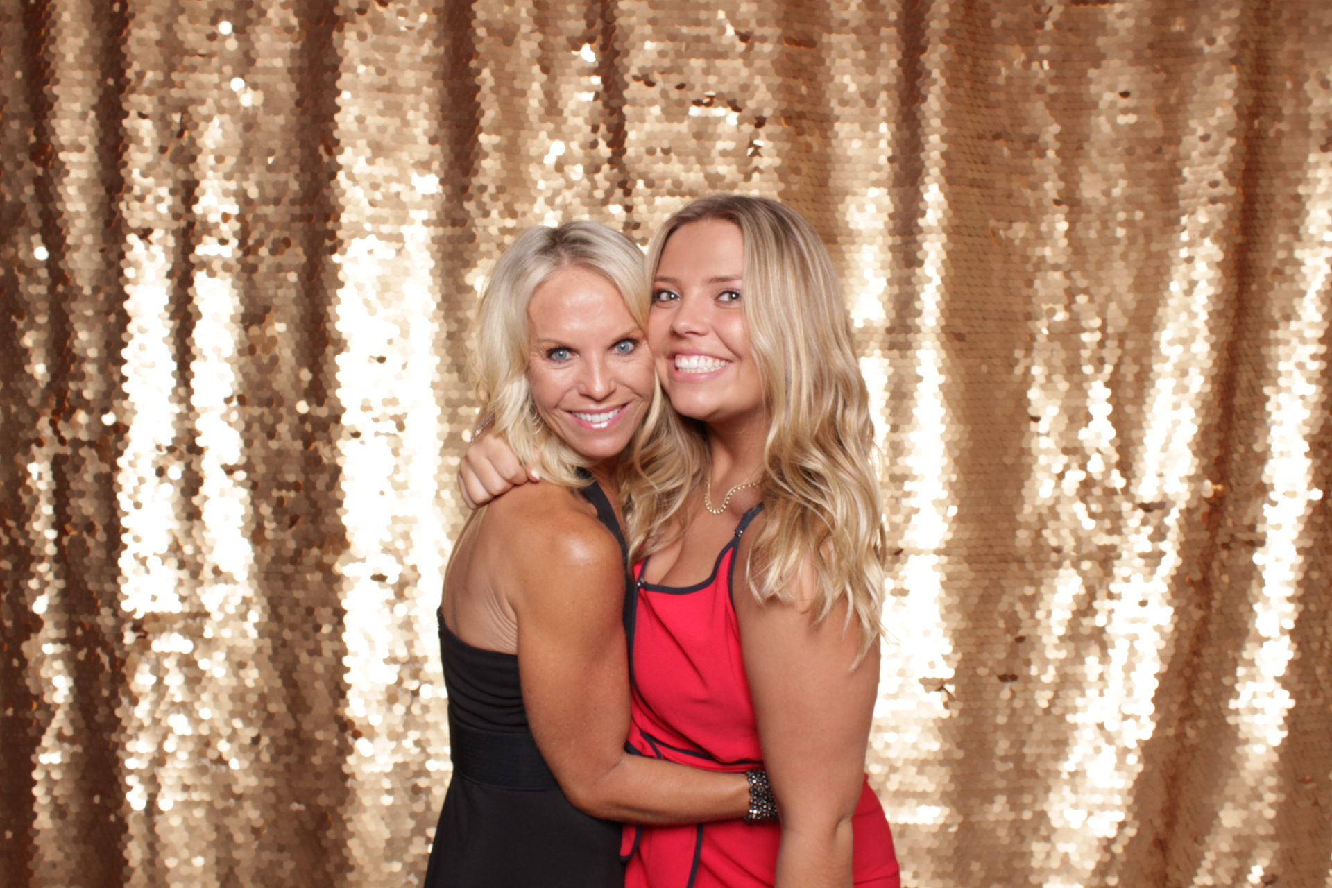 Minneapolis_St Paul_Photo_Booths_Weddings (1).jpg