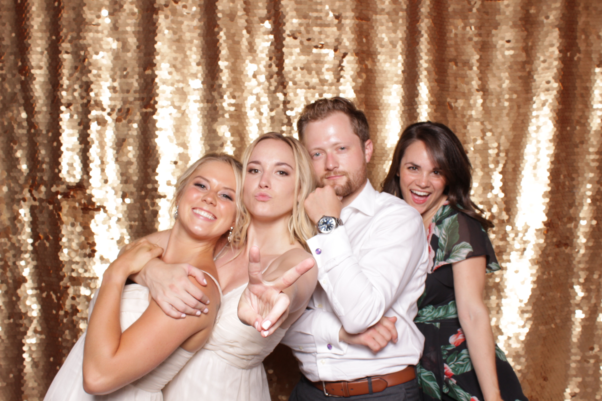 Minneapolis_St Paul_Photo_Booths_Weddings (10).jpg