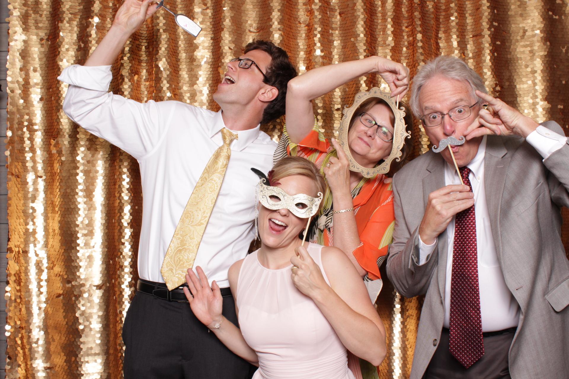 Minneapolis_wedding_photo_booth_Machine_Shop (7).jpg