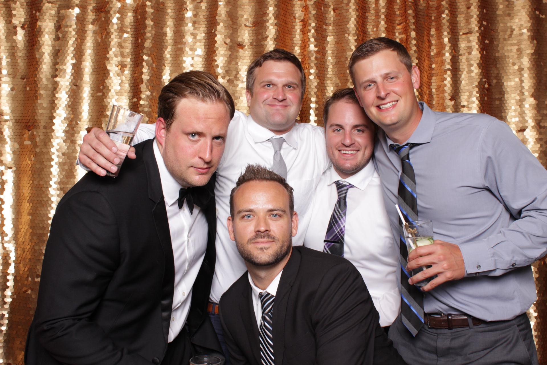 Minneapolis_wedding_photo_booth_Machine_Shop (13).jpg