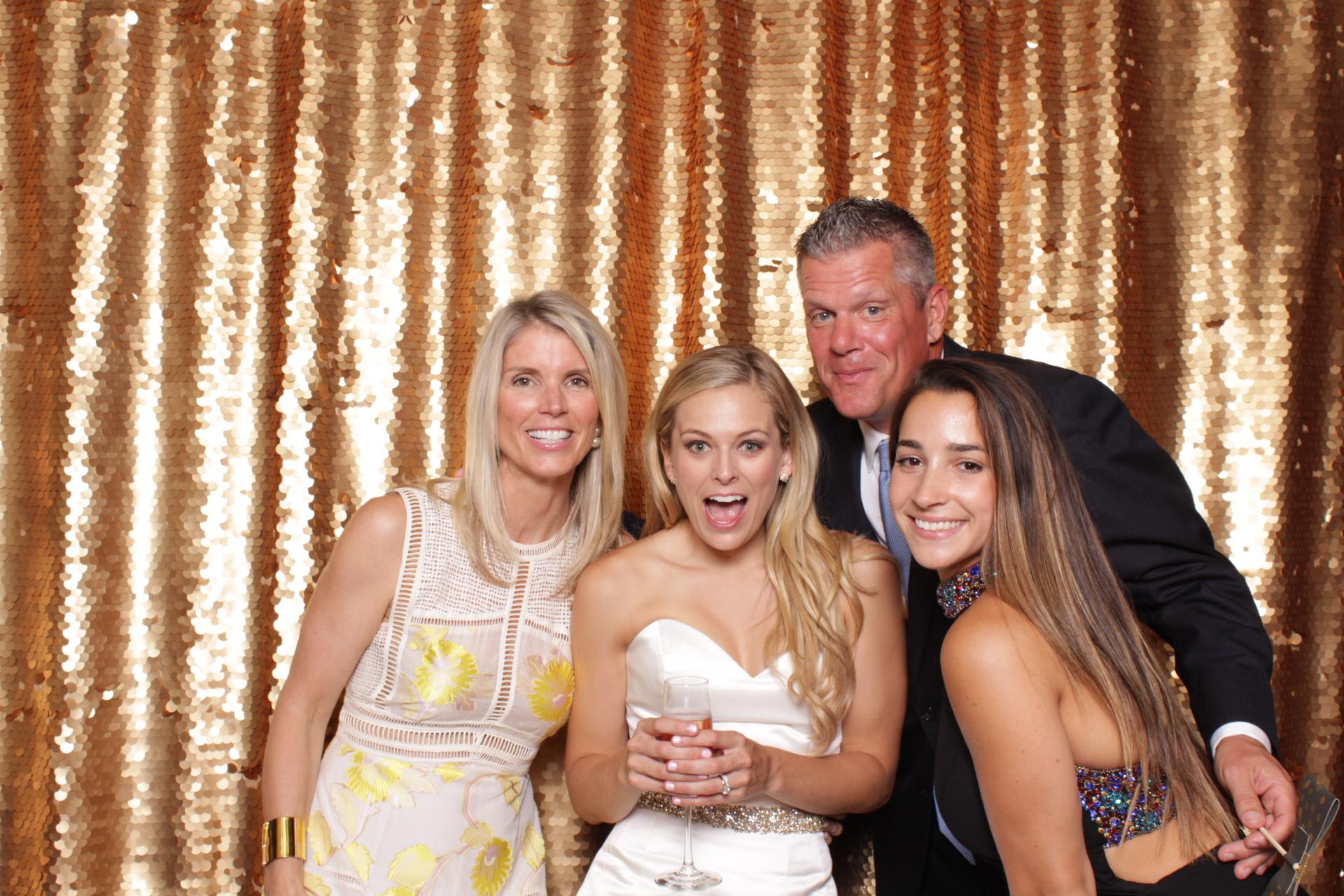 Minneapolis_wedding_photo_booth_Machine_Shop (19).jpg