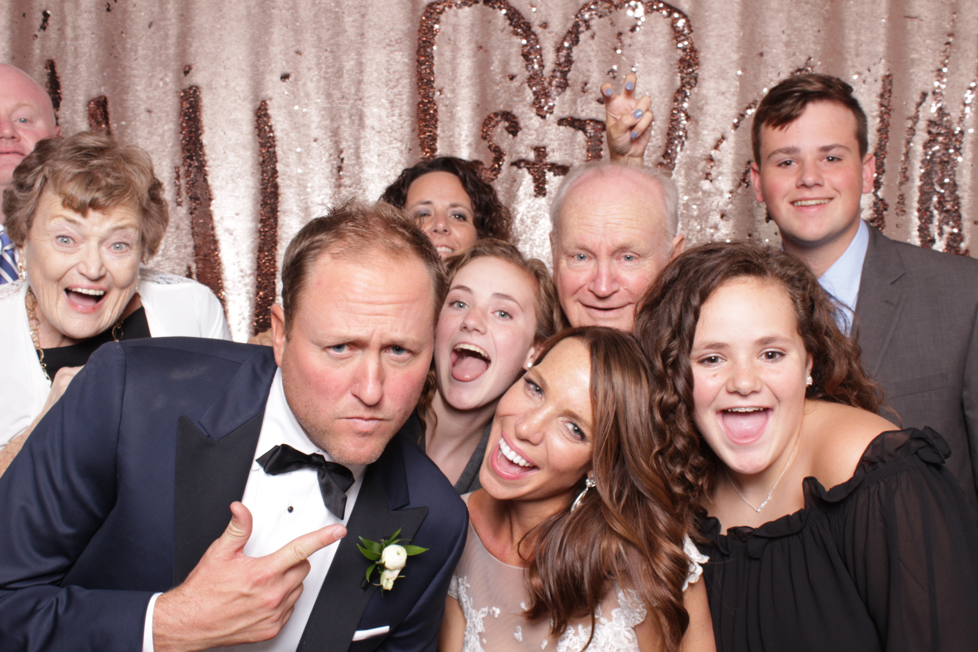 Minneapolis_Aria_Wedding_Photo_Booth.jpg