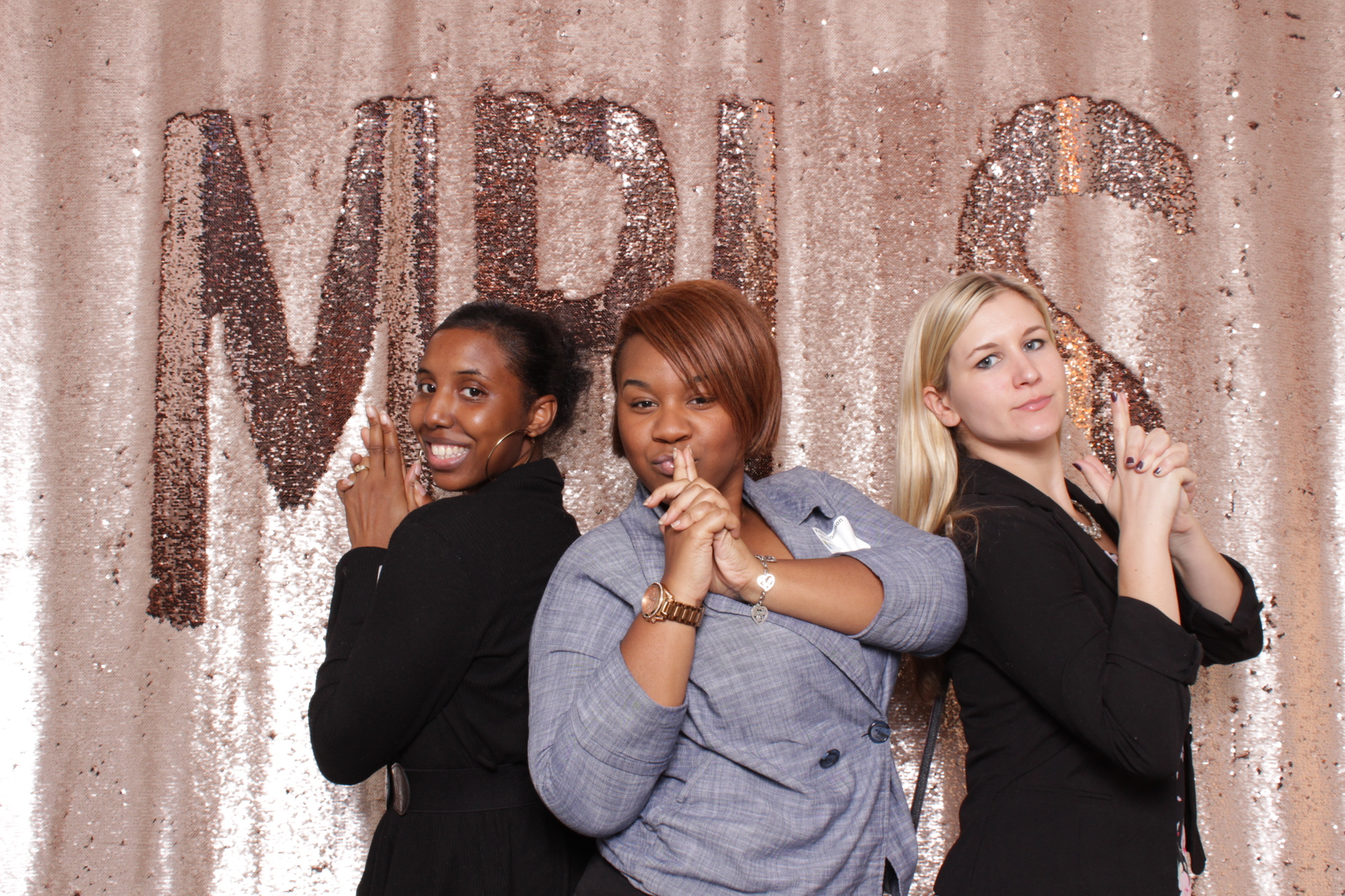 Minneapolis_corporate_photo_booth_rentals (8).jpg