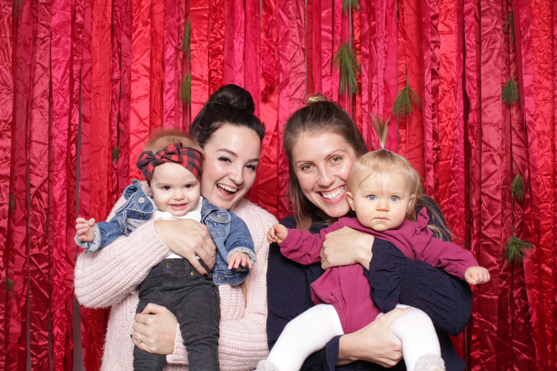 Hutton_House_Minneapolis_Photo_booth_rentals (5).jpg