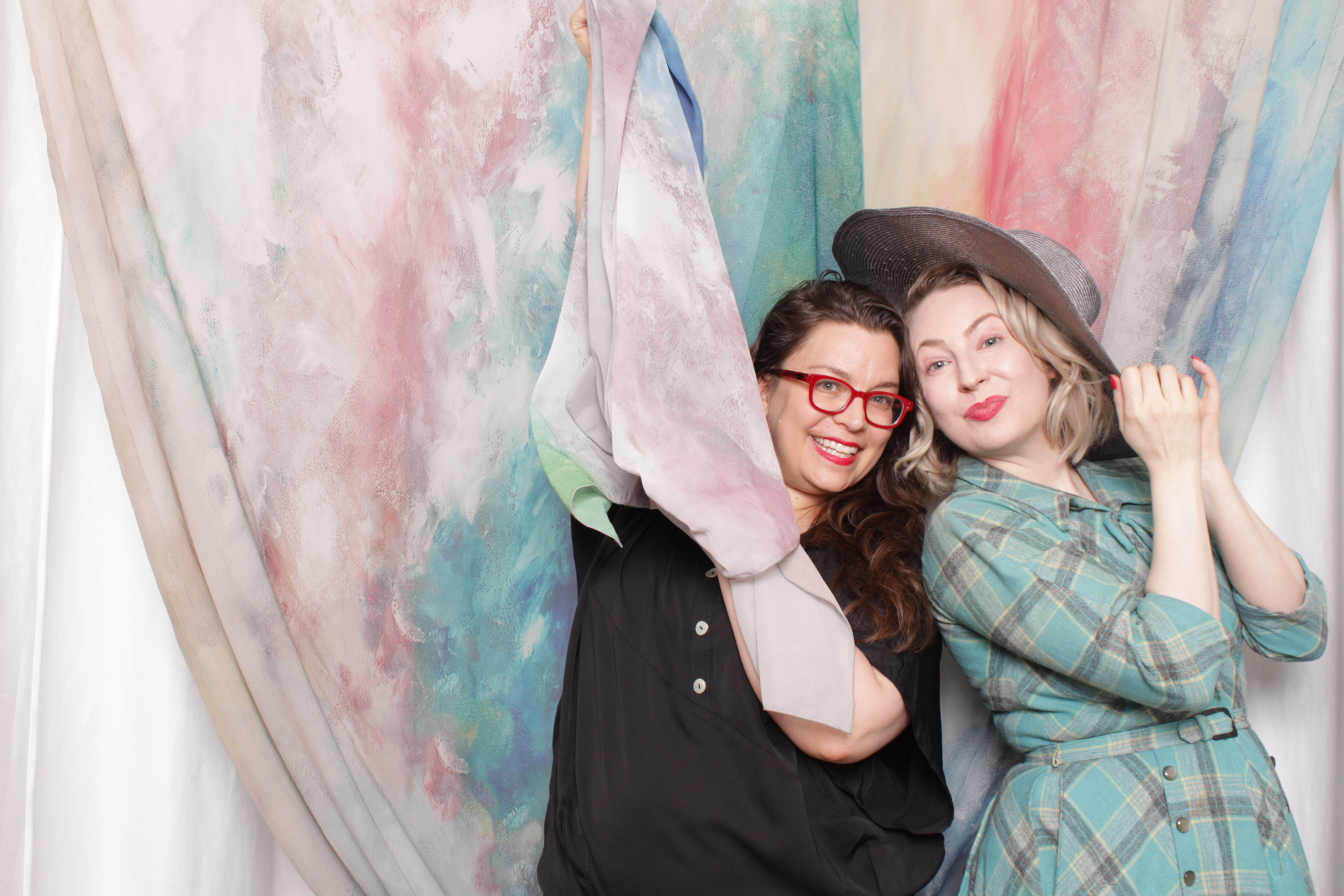 Minneapolis_Photo_Booth_party_rentals (3).jpg