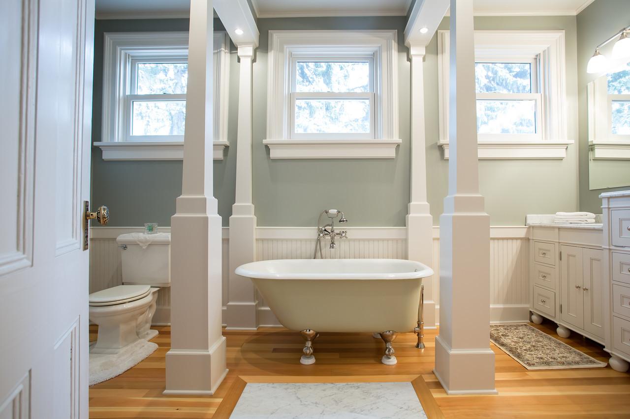 Reese Bathroom-5-X2.jpg