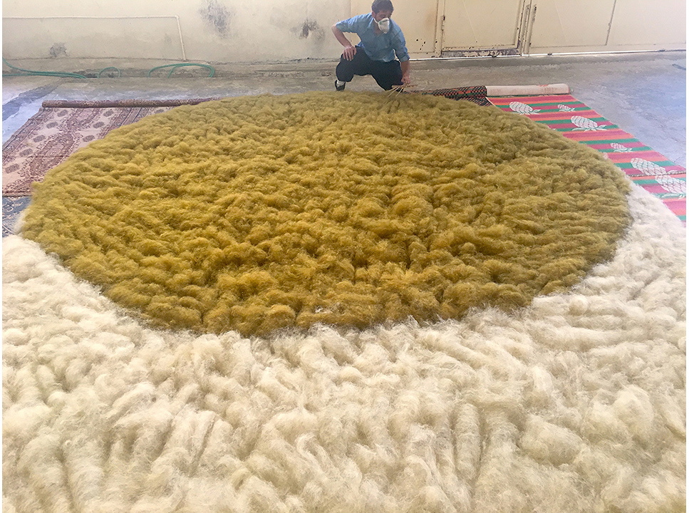 Making a You-me rug by fusing a rectangle and a circle of two different colors. Alison Damonte Collection