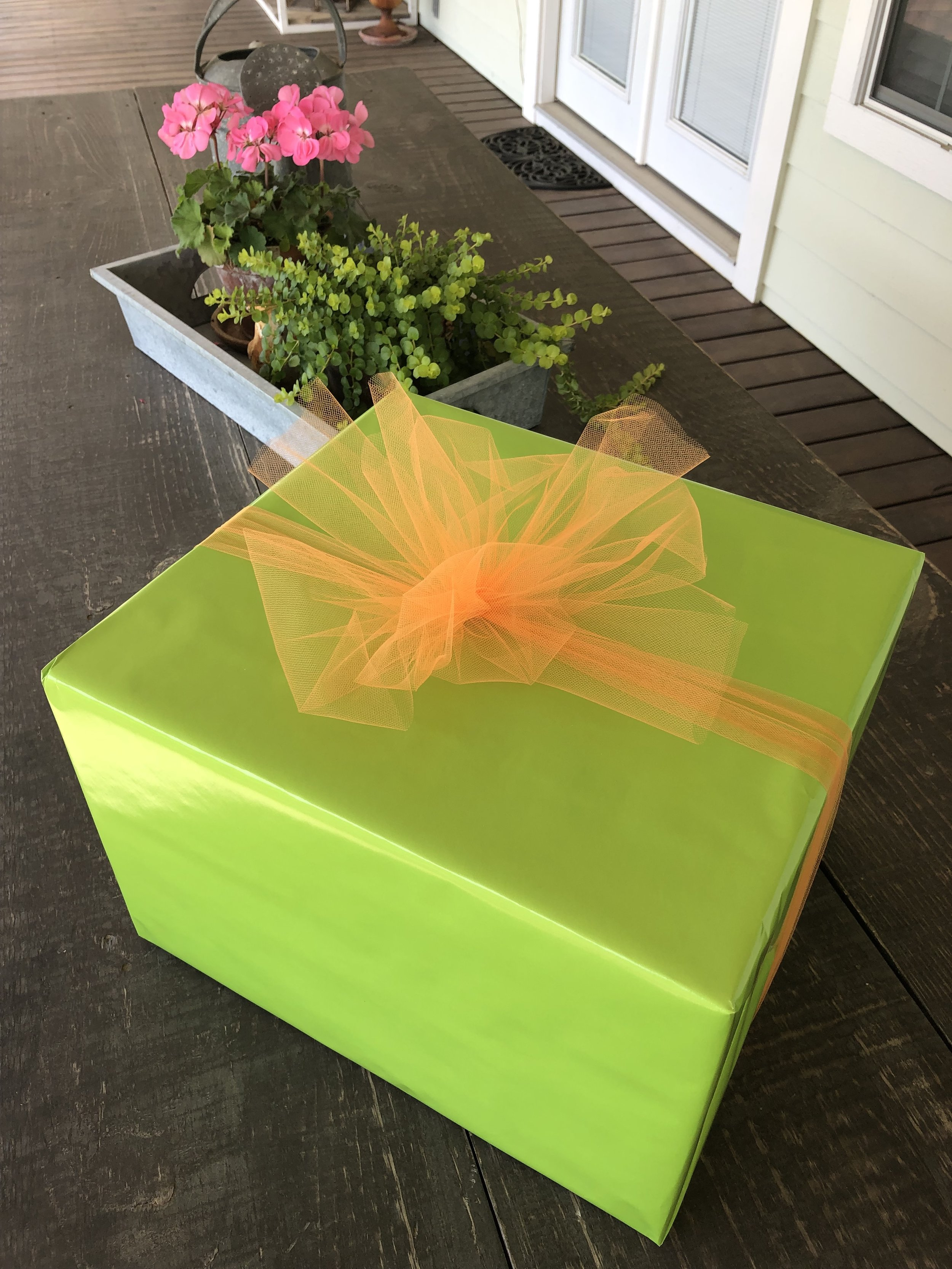 Tami Glasco/Gift Wrapping (progressive)