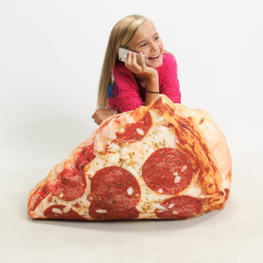 Pizza bean bag. (image via  sweetyhigh )