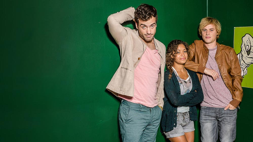 Daniel Ings, Antonia Thomas and Johnny Flynn. I hope they make more seasons. (image via netflix)