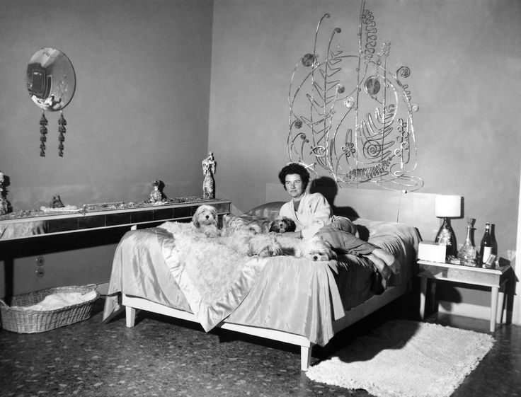 What Would Peggy Do? (Unknown photographer, Peggy Guggenheim in her bedroom, Palazzo Venier dei Leoni, Venice)
