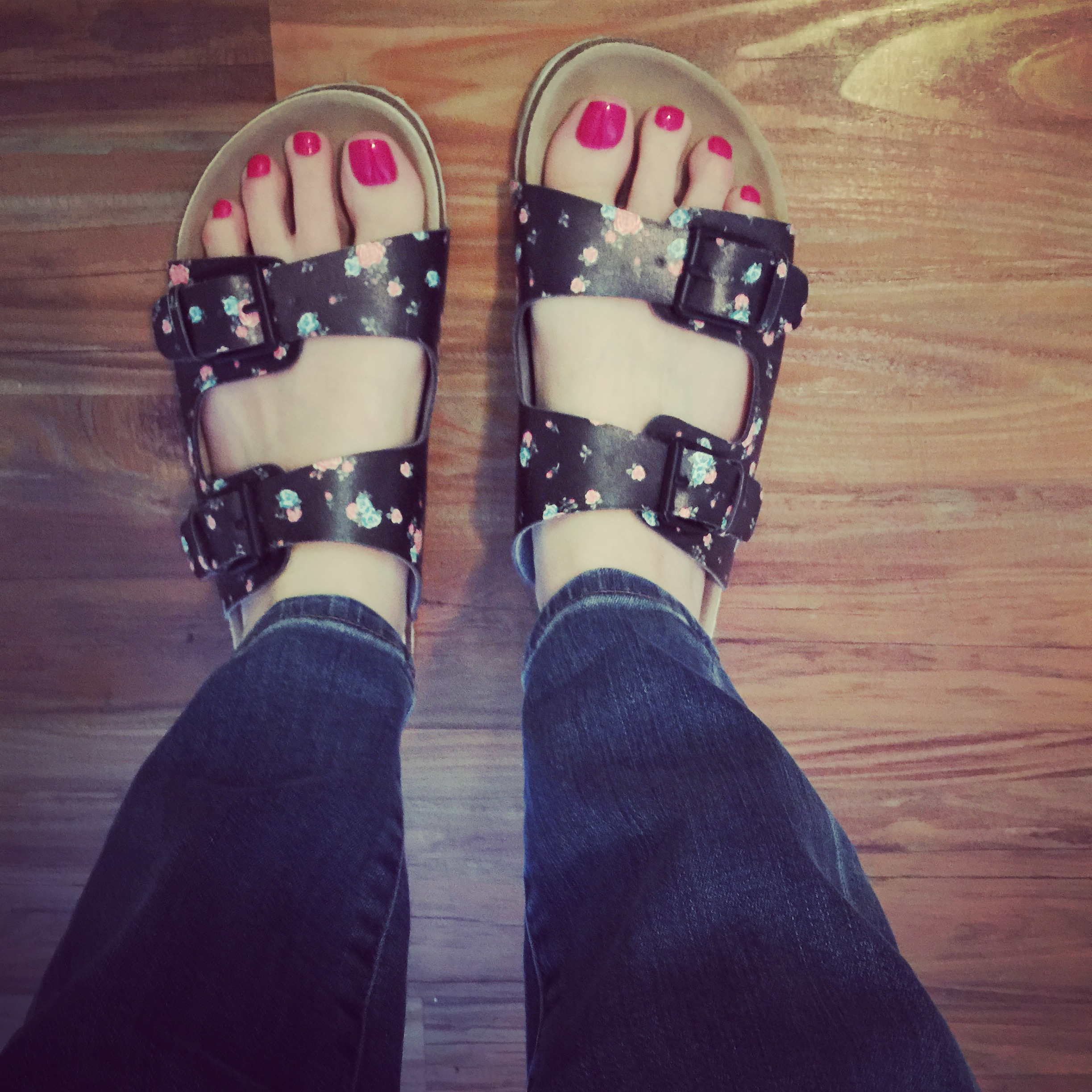 Sandals: American Eagle (this summer but I can't find them online)