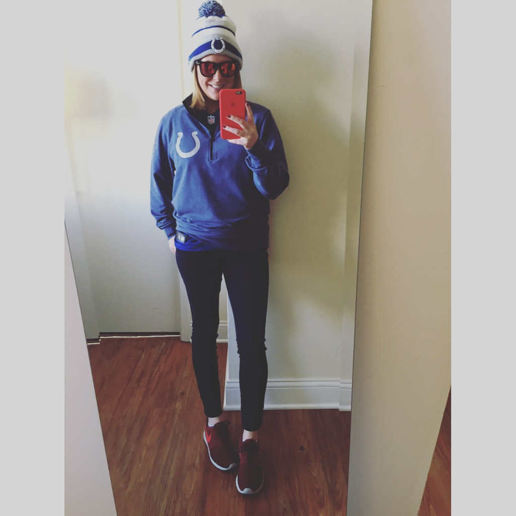 Colts Gear: Colts Pro Shop, Jeans: Express,  Solid Dark Mid Rise Jean Legging ,Shoes:Nike, Roshe One