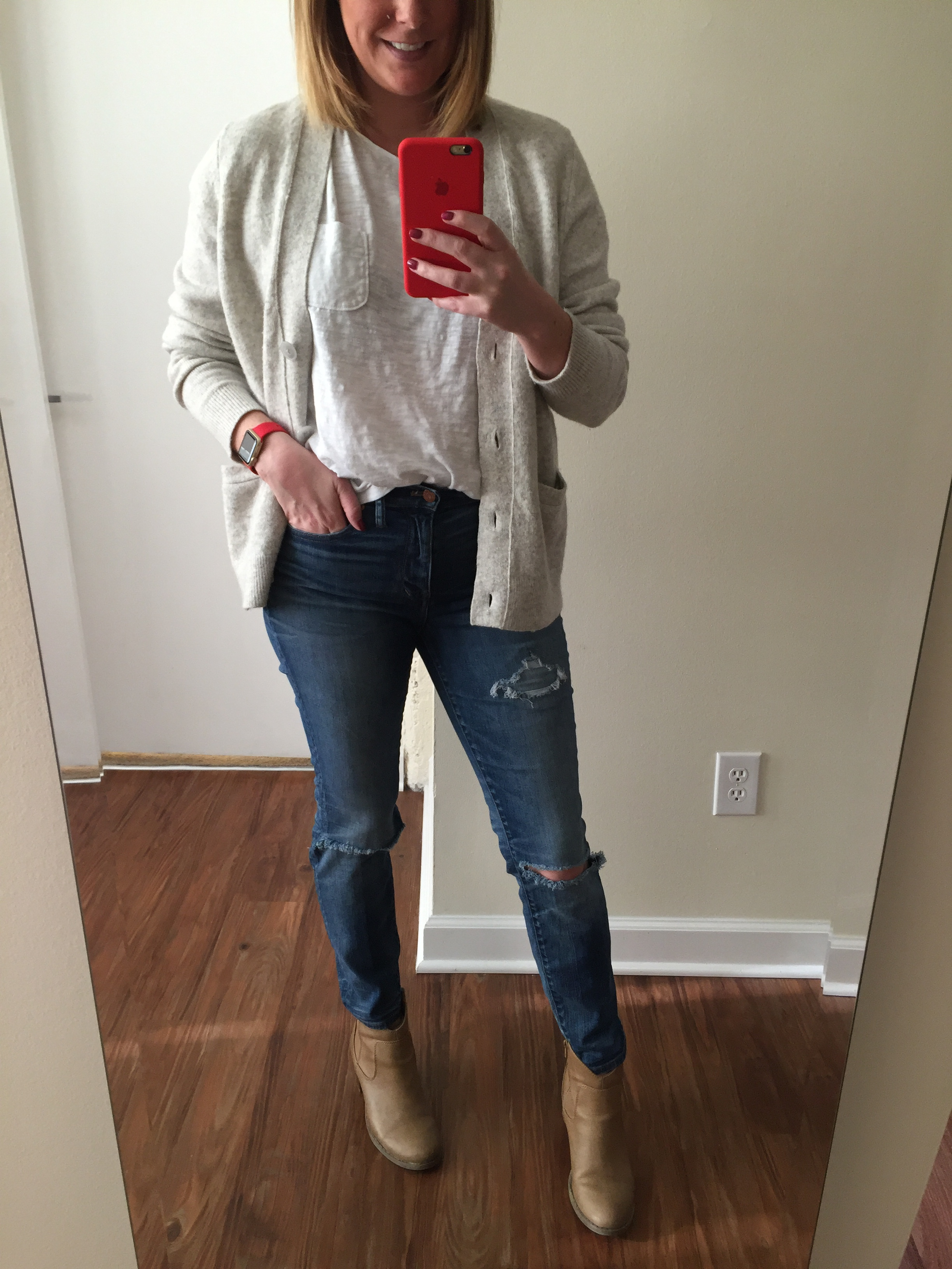 Cardigan: Loft, T-Shirt: Loft, Jeans: Madewell,  high riser skinny skinny , Booties: Old Navy, Watch: Apple,  38mm Gold Aluminum Case  (with Red Sport Band)