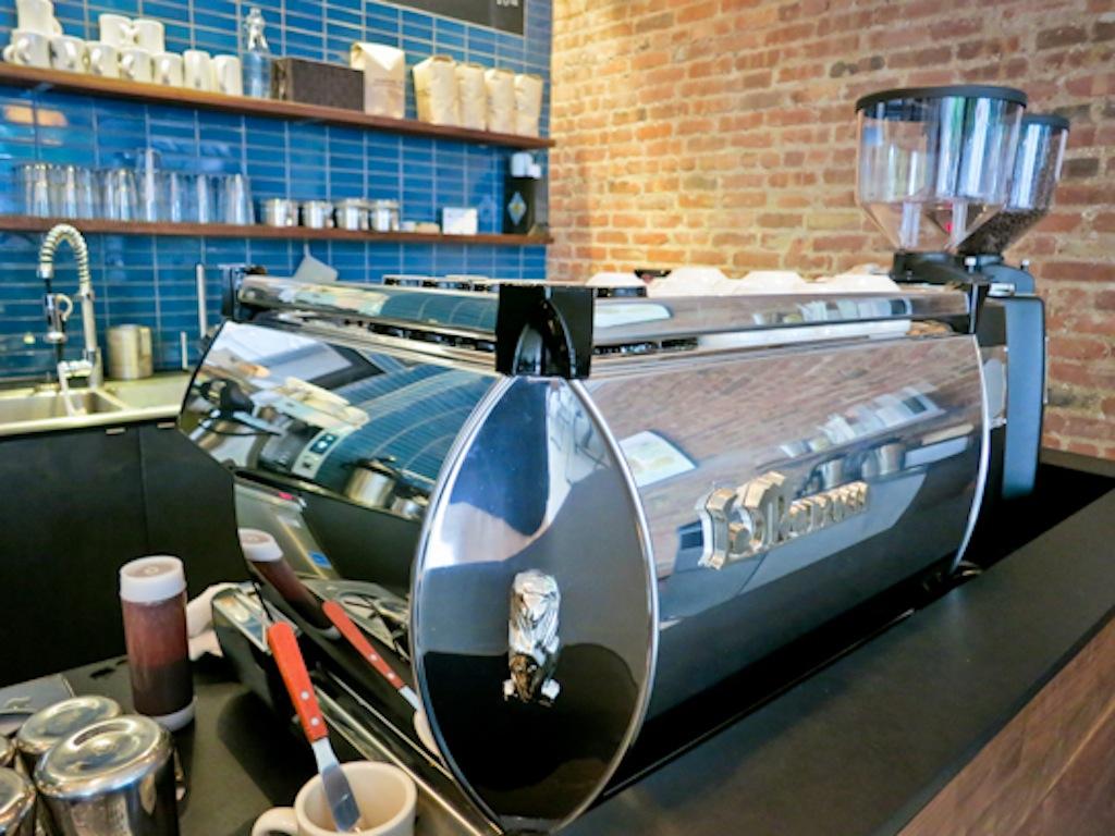 Joyride Coffee, Third Rail Coffee