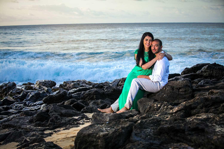 romantic-beach-photography-oahu.jpg