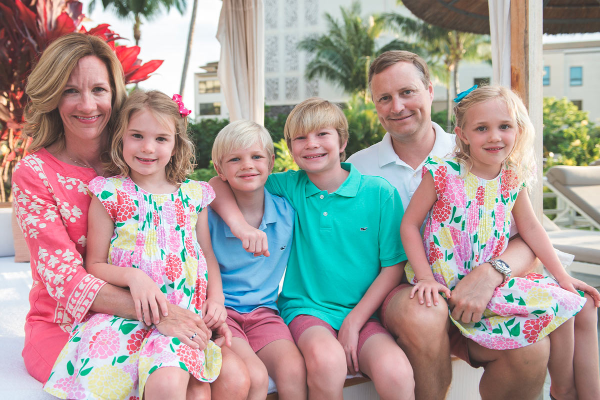 family-photographer-lahaina.jpg