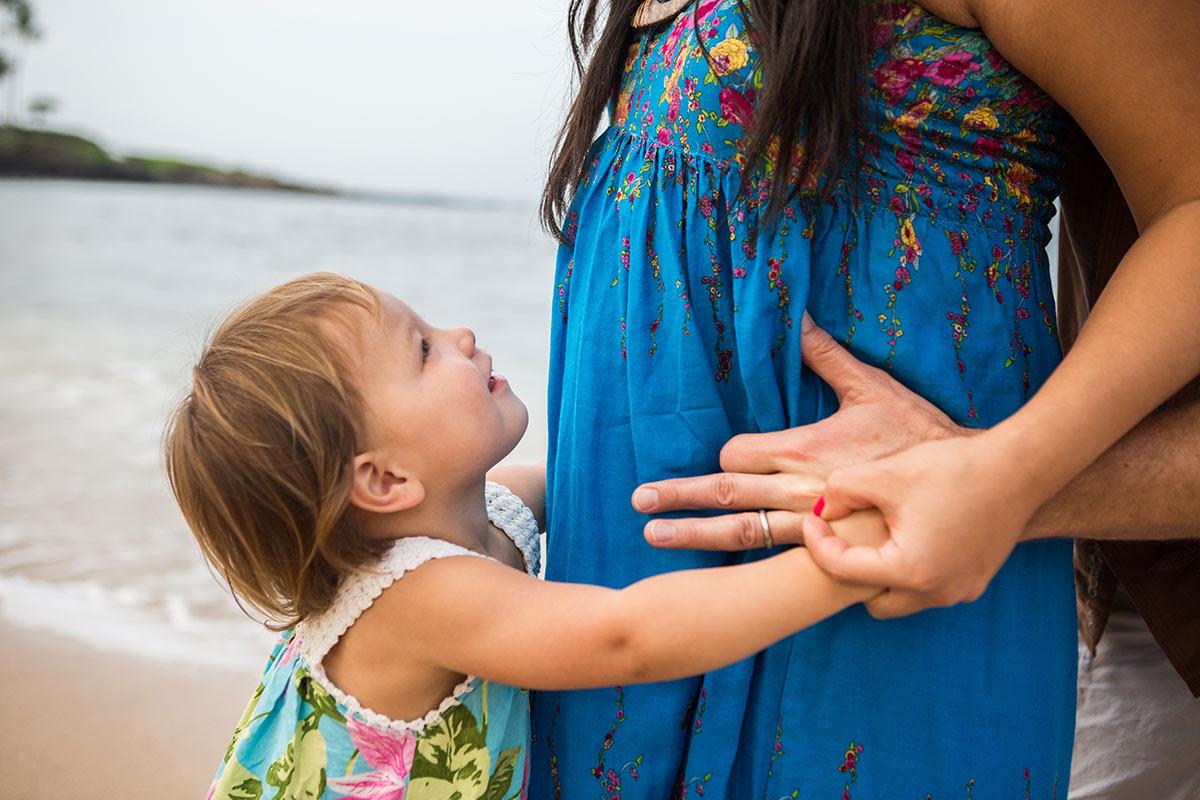 babymoon-photography-maui-lahaina.jpg
