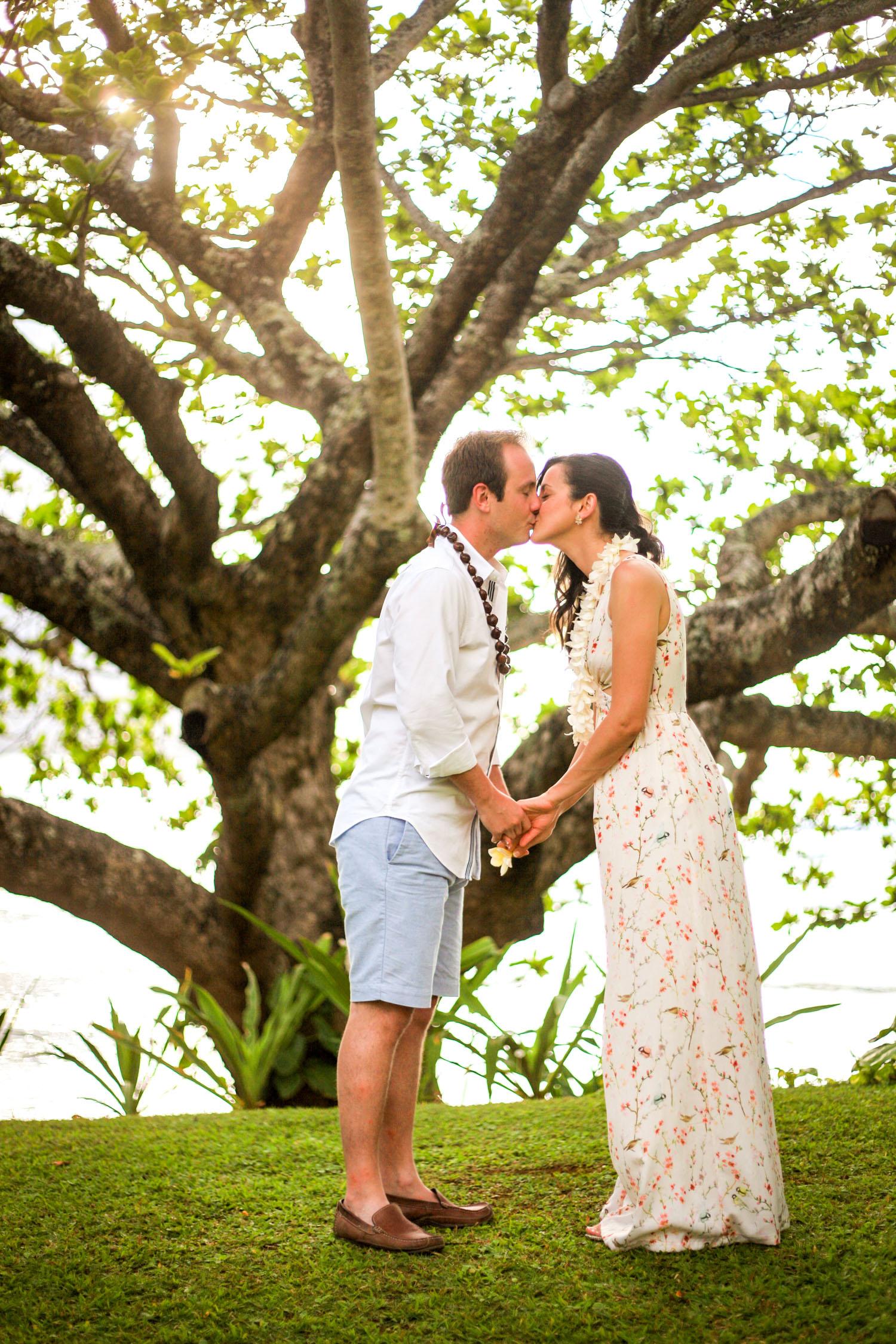 Romantic couple photography Big Island