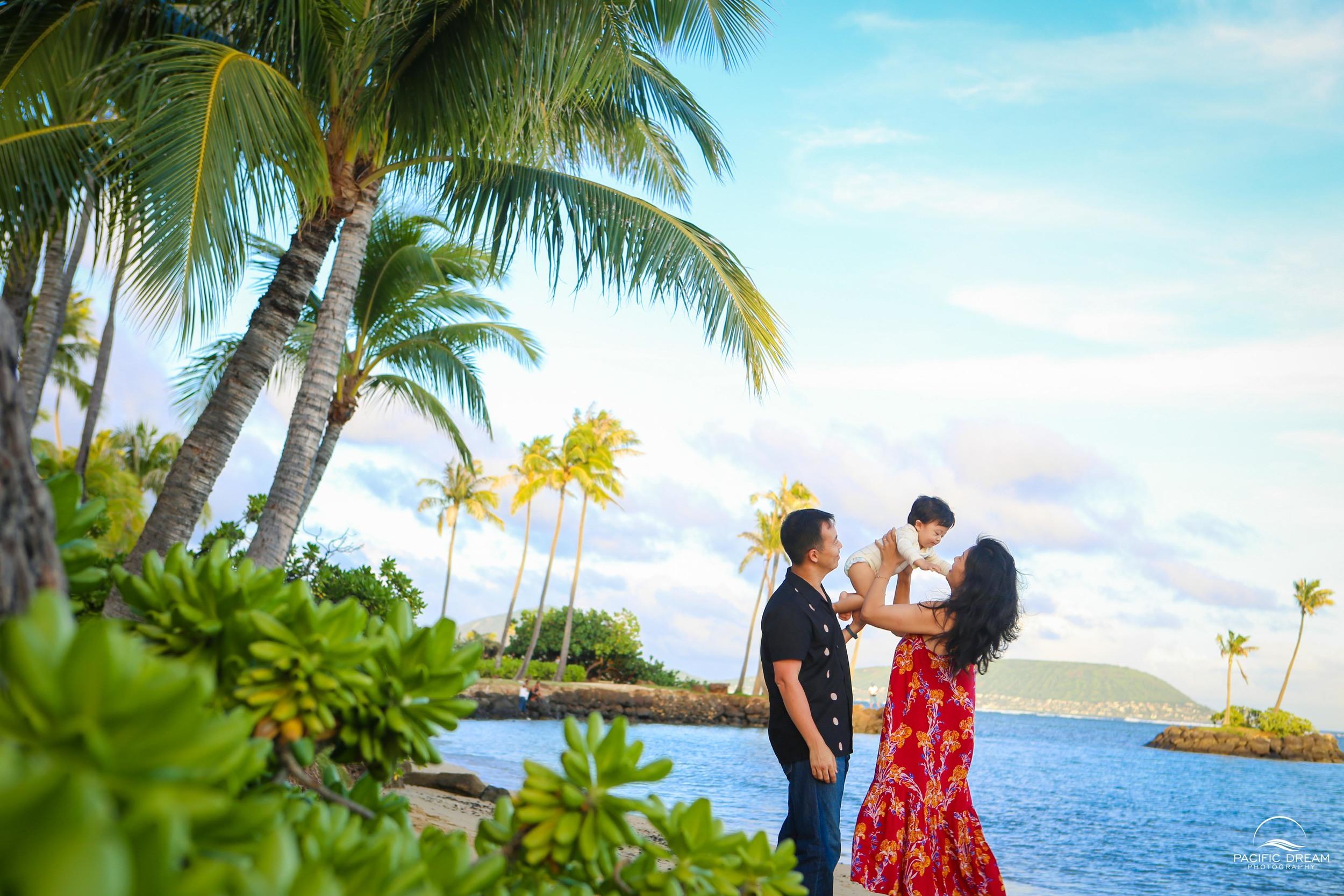 Family photo session in Hawaii, Hawaii Photographer, Pacific Dream Photography, Photographer in Hawaii, Kahala Hotel