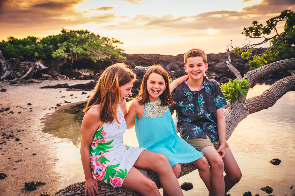 Beach Family Photography in Hawaii _02.jpg