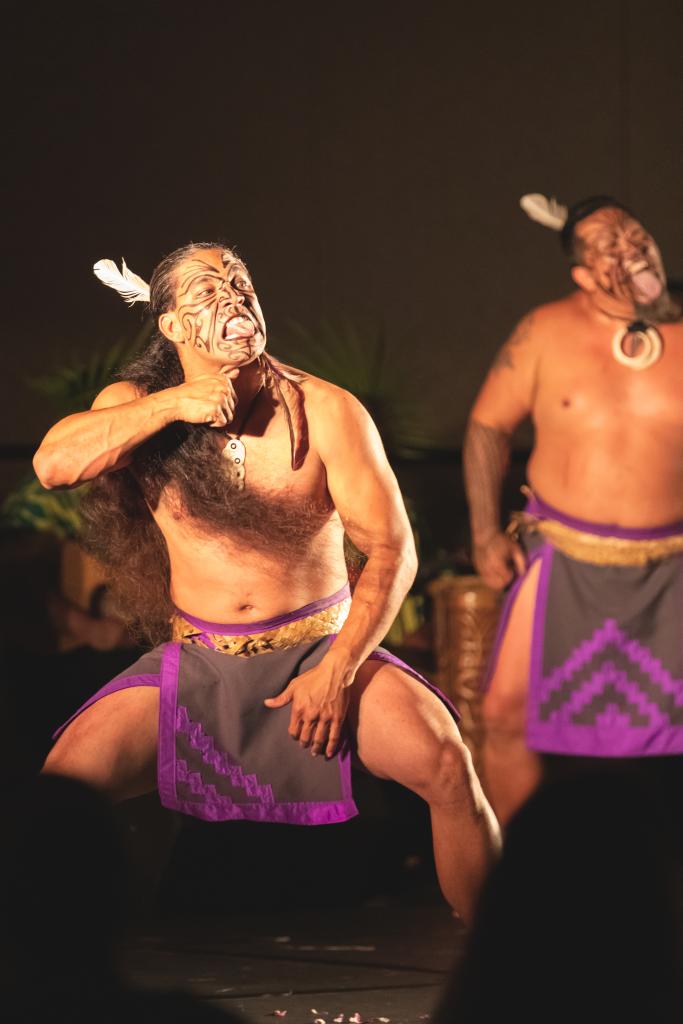 Hawaii Photographer - Luau - dancer 02.png