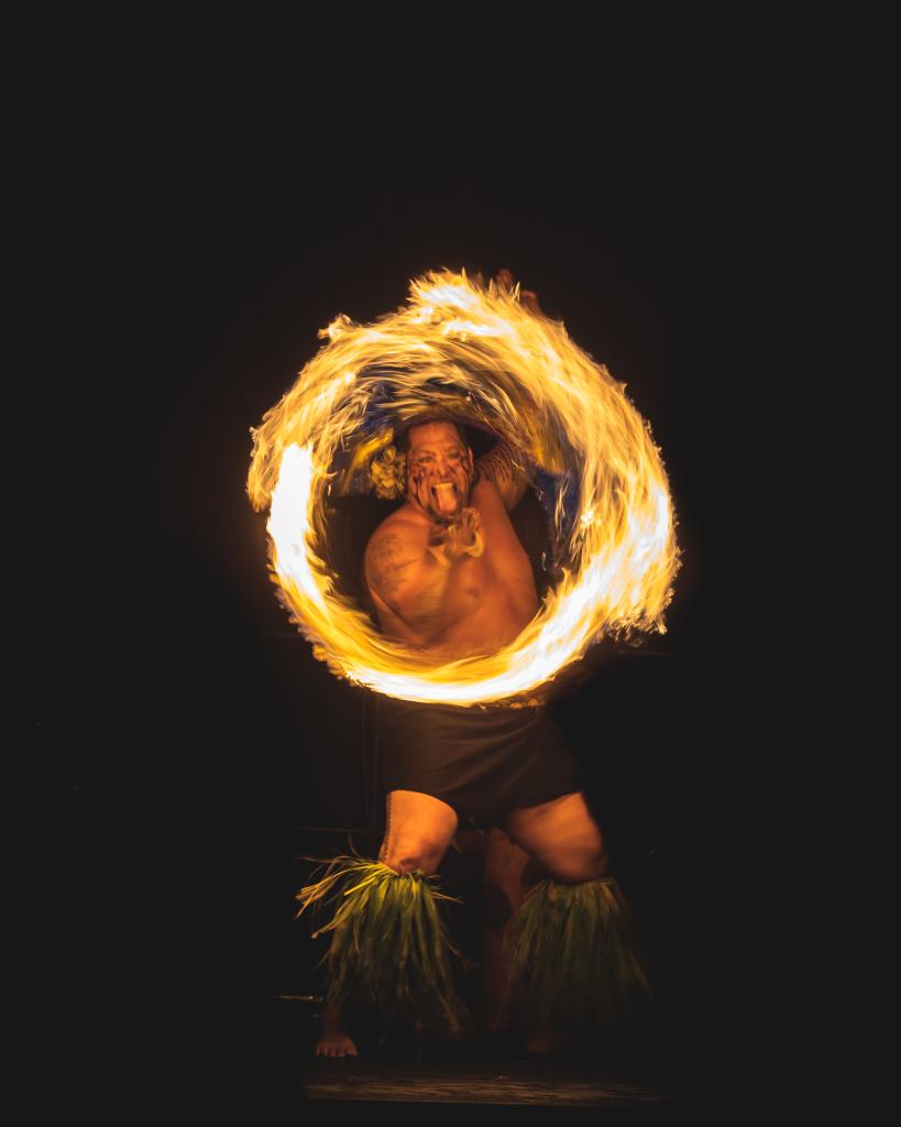 Hawaii Photographer - Luau - fire dance 02.png