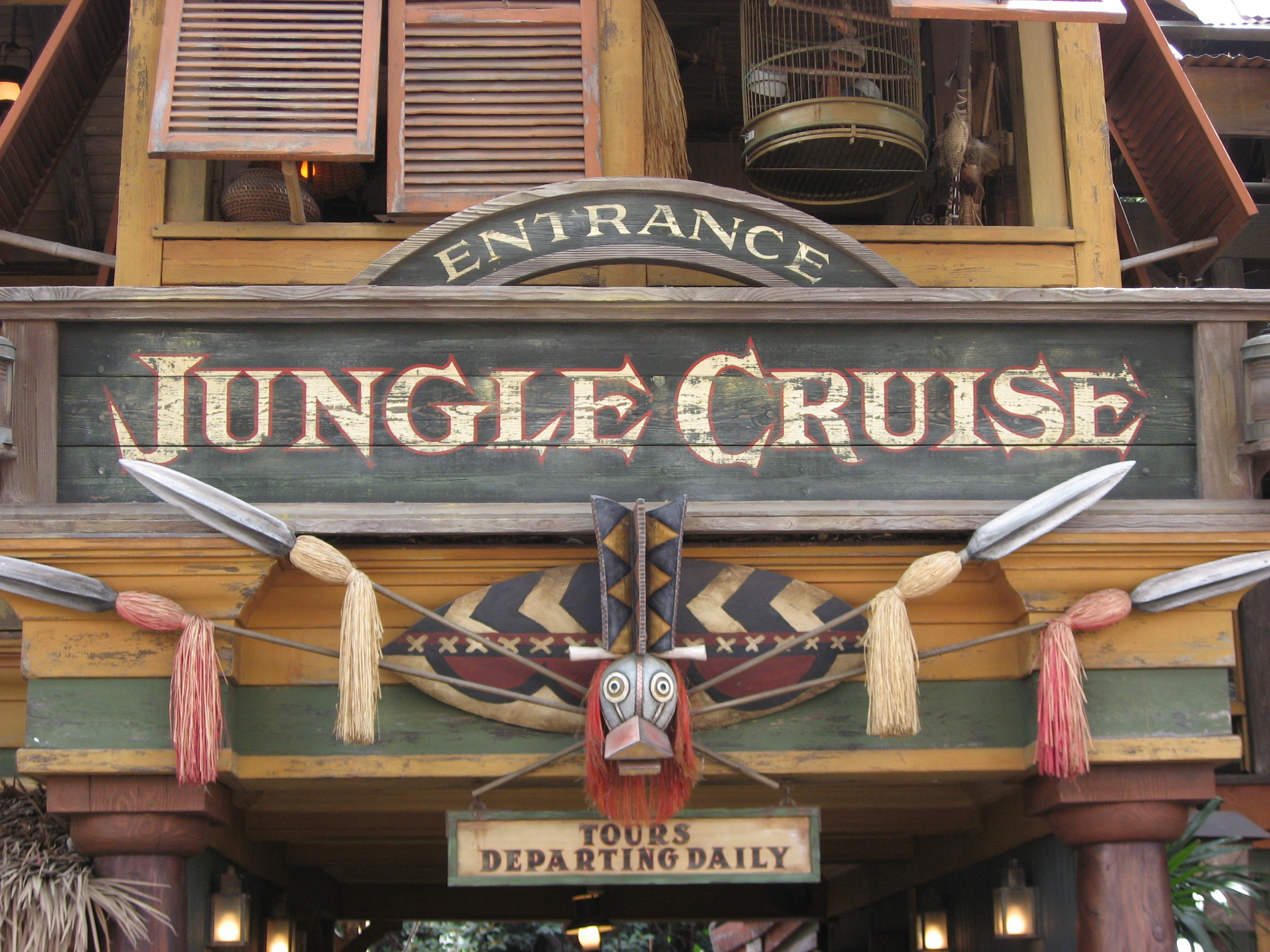 Jungle_Cruise_at_Disneyland_entrance.jpg