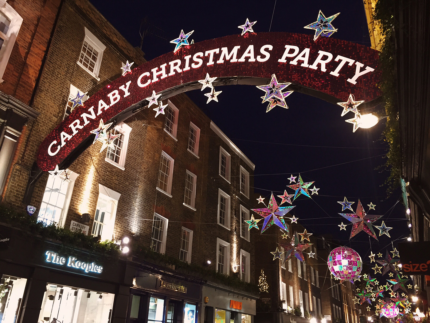 Carnaby Street is one of my favorite parts of London.  And at Christmastime its that much better!