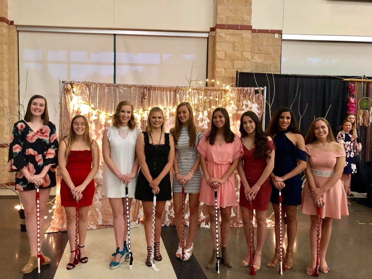Cavalettes 37th Line - Dance Officers