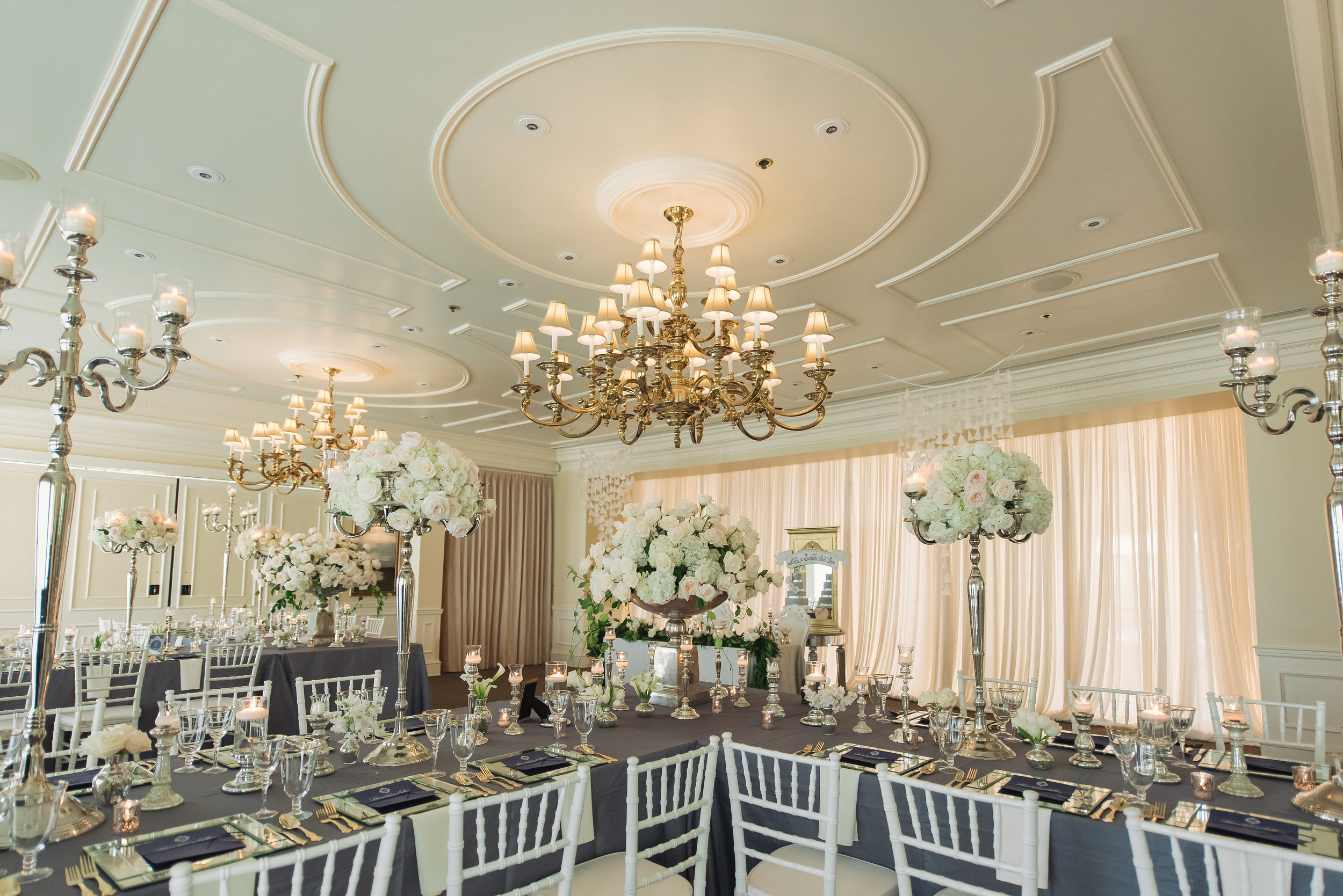 Wedding Photography: Kathy Thomas | Wedding Reception: Lake Nona Country Club| Wedding Planner: The Busy Bee