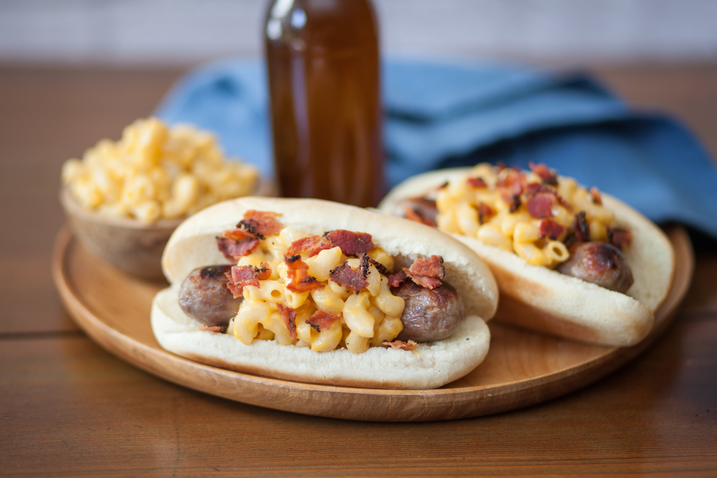 Bacon Mac & Cheese Brat