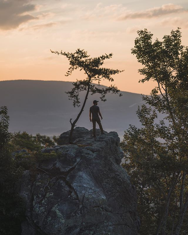 The Sequatchie Valley is one of those classic, hidden adventure havens in TN. From the historic coke ovens to the awesome hang-gliding community of Treetoppers, It's a wonder how much story there is to actually tell. See the link in our bio to check out our new blog!  This is the next road trip to add to your list. @southeasttennessee  #sequatchievalley