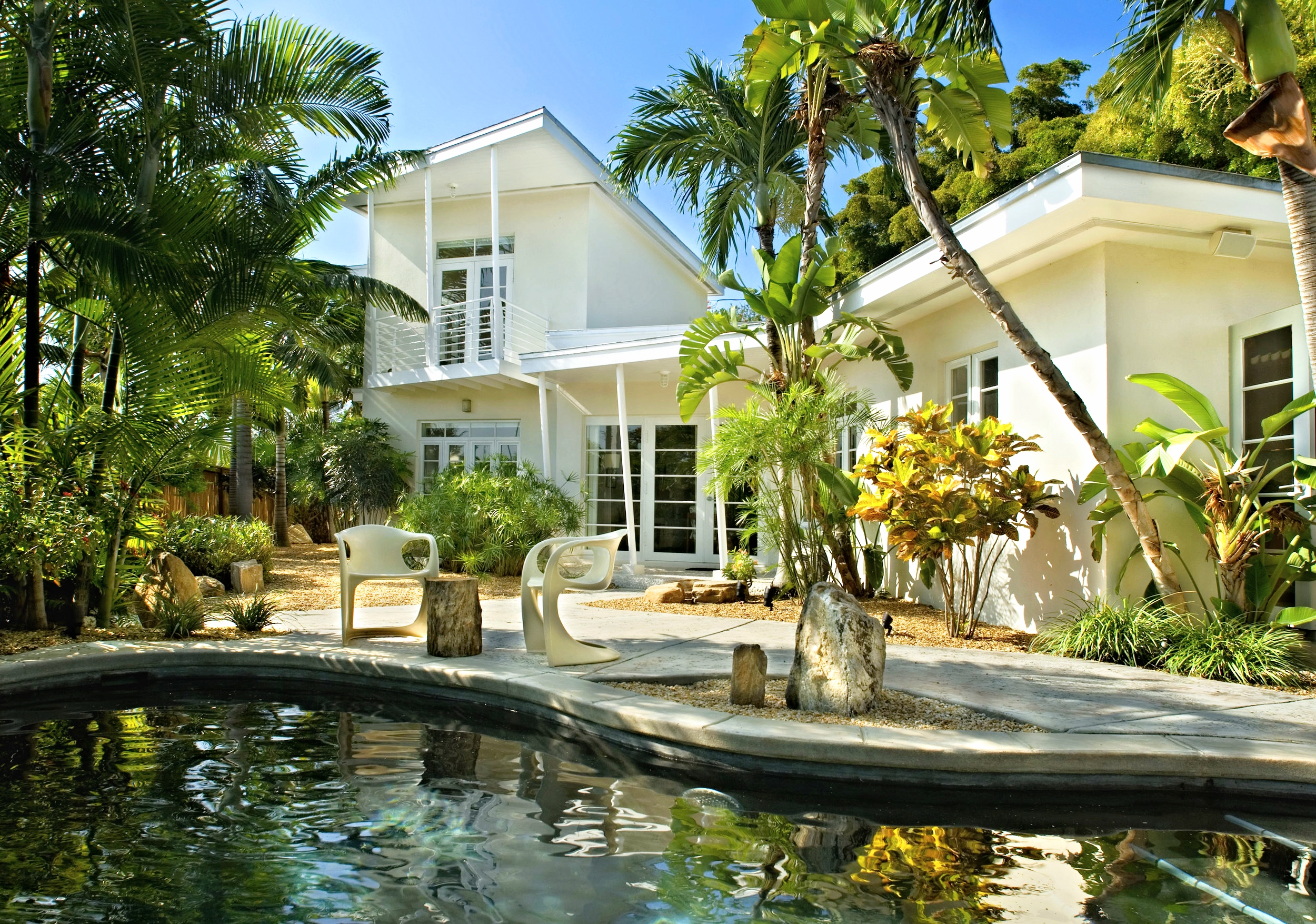 front-house-w-pool.jpg