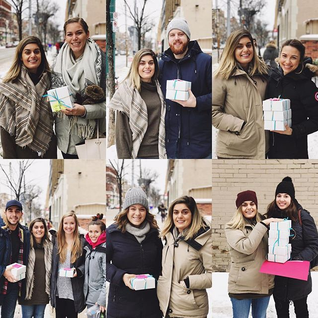 beautiful humans picking up their shorbread orders in support of @thehsf ❤ 2 more days of pickup left! #SGSB . . . . . . . #toronto #shoplocal #torontobakersmarket #dessert #love #smiles #eeeats #foodie #cookies #shortbreadcookies #yum #the6ix #torontoclx #potd #igers