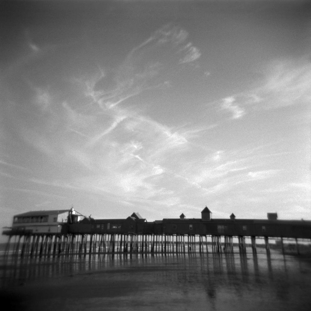 Square-the-pier-bw.jpg