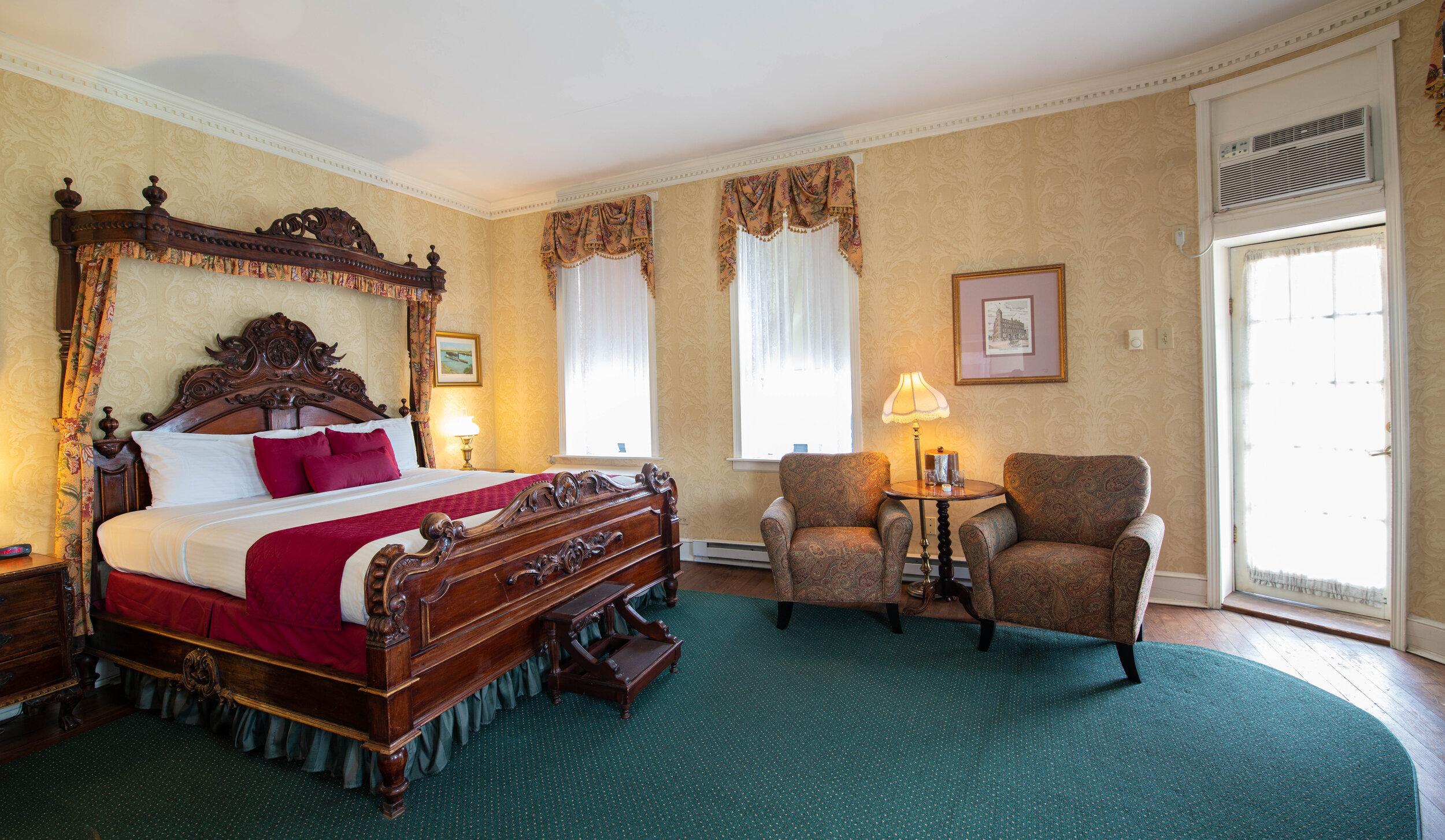 RV King Parlor with Balcony Room 304 - 2.jpg