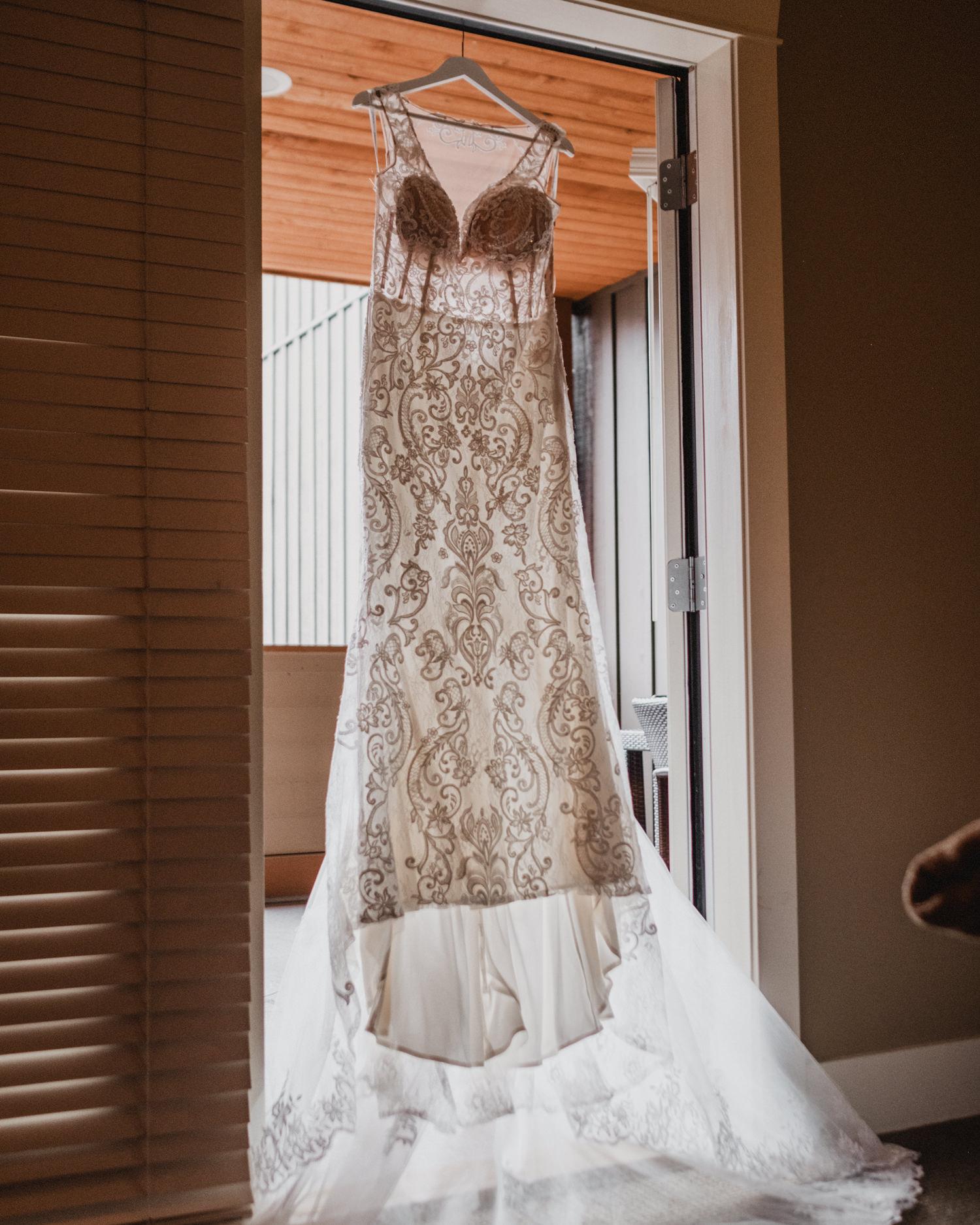 Canmore_Wedding_Photographers_Silvertip_JimandNikki4.jpg