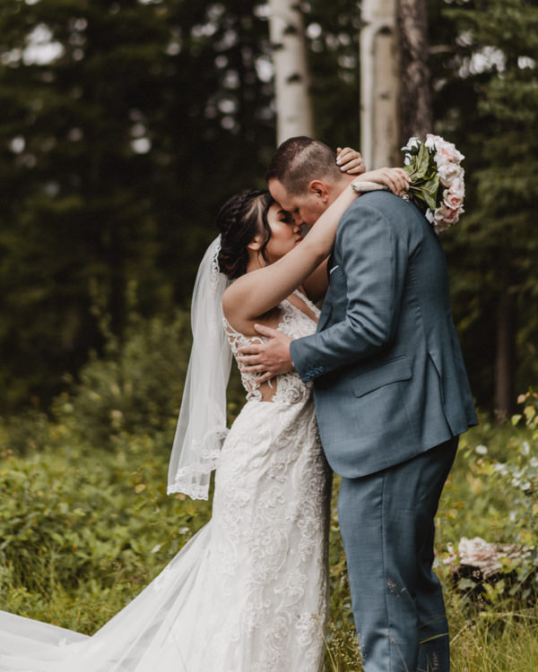Canmore_Wedding_Photographers_Silvertip_JimandNikki9.jpg