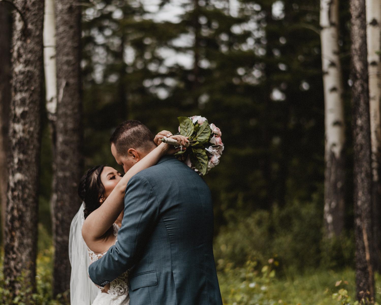 Canmore_Wedding_Photographers_Silvertip_JimandNikki10.jpg