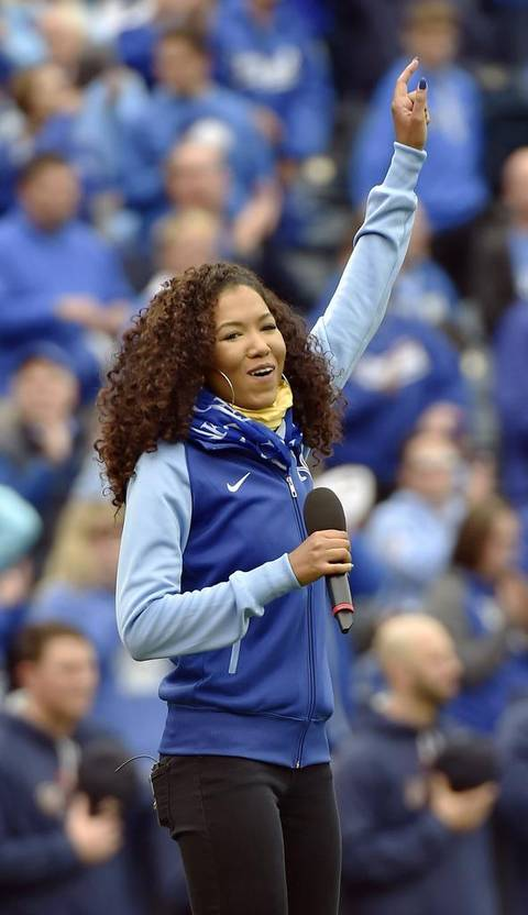 SADA K. RETURNED HOME TO SING THE NATIONAL ANTHEM IN FRONT OF OVER 40,000 ROYALS FANS AT KAUFFMAN STADIUM!