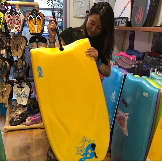 There's nothing like unwrapping a new ride. . @mayumi_tone rides Fruits Bodyboards powered by #ISStechnology