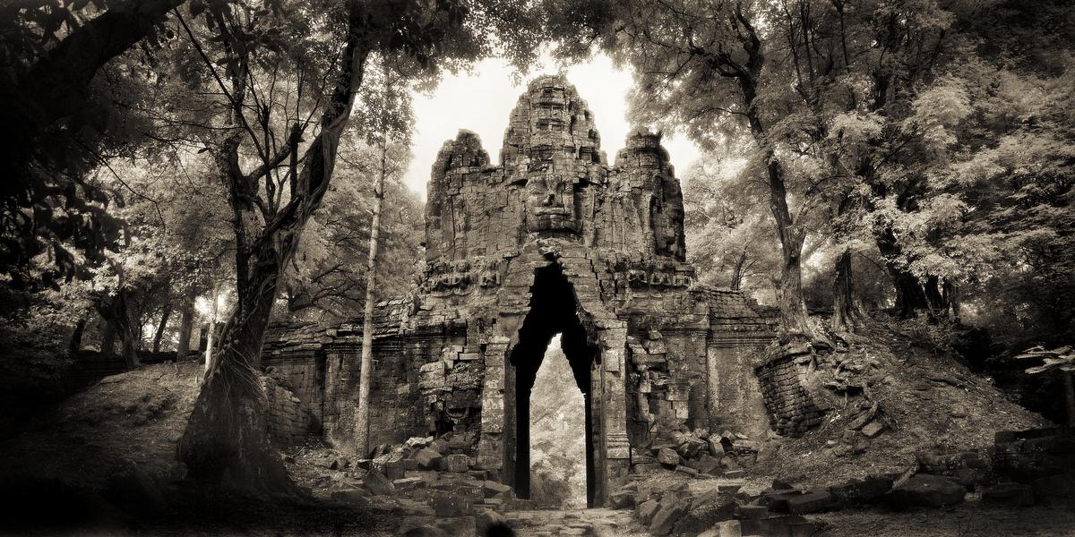 John-McDermott West-Gate-Angkor-Thom.JPG