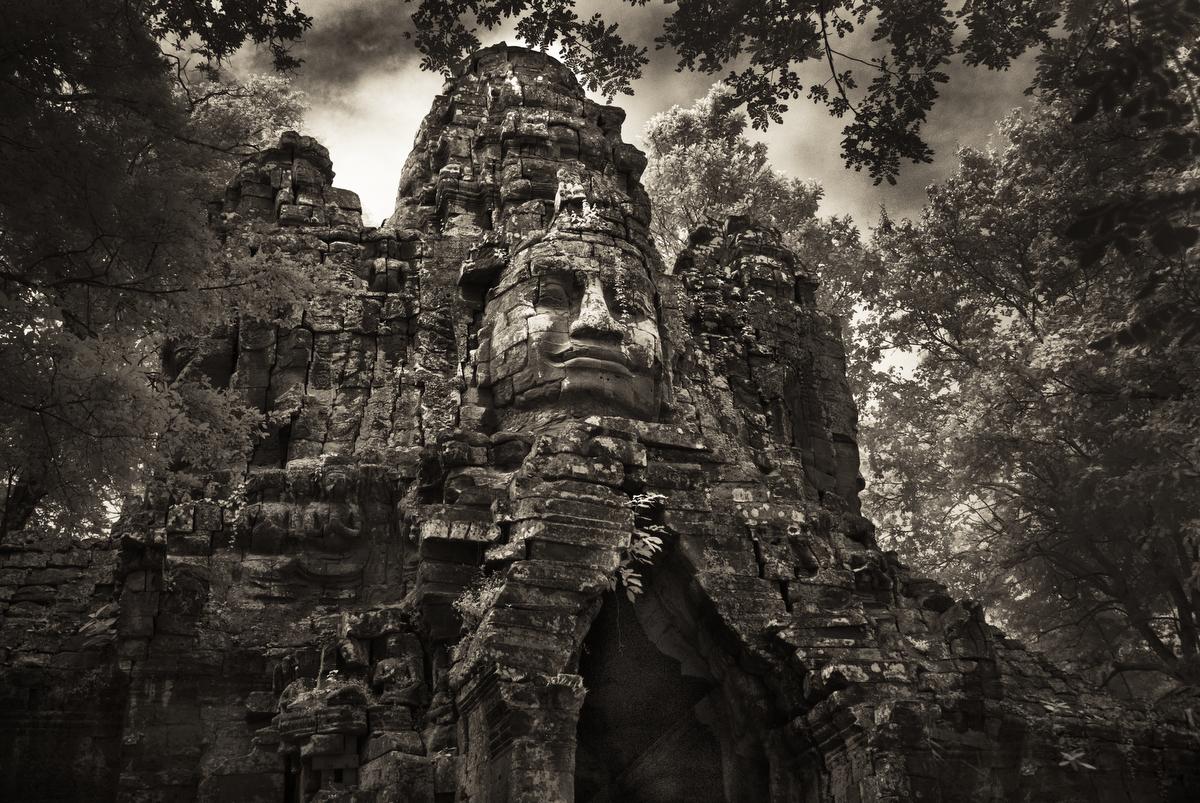 John-McDermott-The-North-Gate-of-Angkor-Thom.JPG